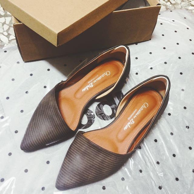 韓貨🔥質感尖頭平底鞋