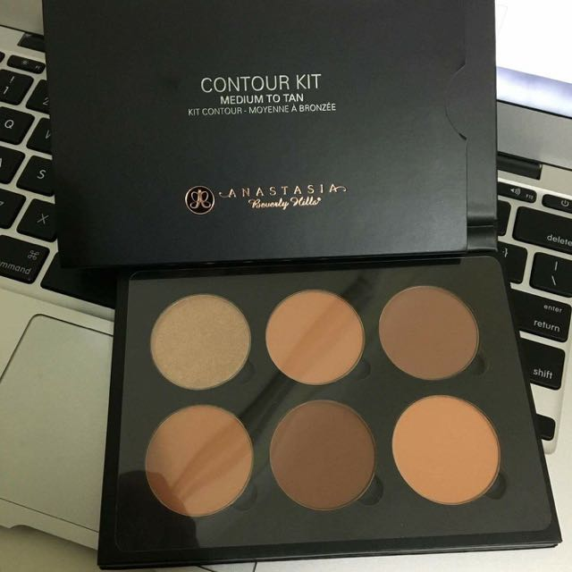 ANASTASIA BEVERLY HILLS CONTOUR KIT (MEDIUM TO TAN)