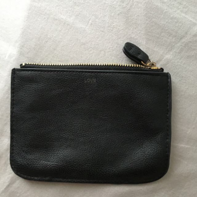 Black Pouch FREE W ANY PURCHASE