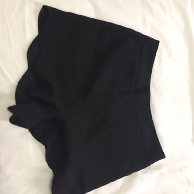 Boohoo Shorts Size 8