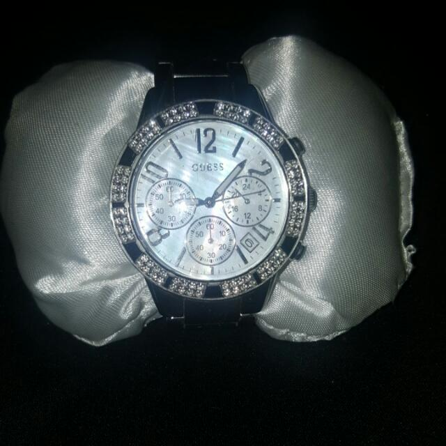 Guess Stellar Silver Dial Watch