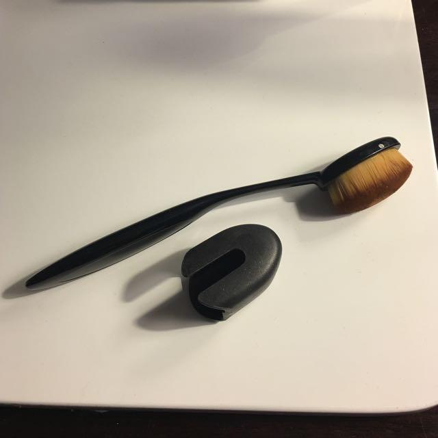 No Brand Brush/ Kuas + penutup  (preloved)
