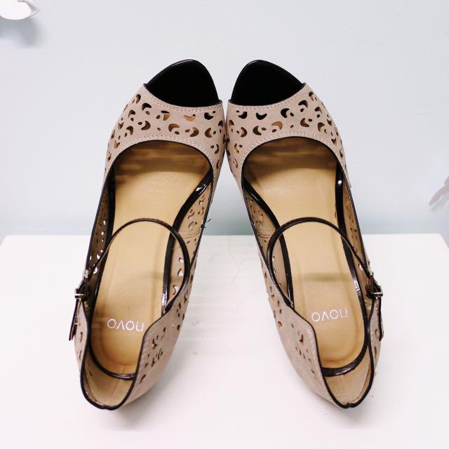 New Novo Heels Size 8