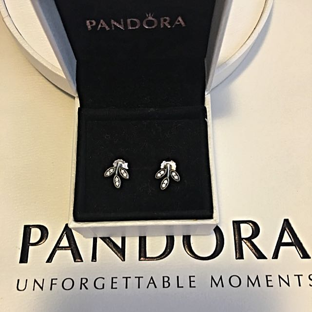 Authentic Pandora Ear Stud