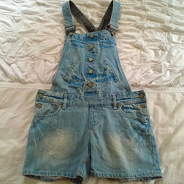 Small fit to M Pinafore