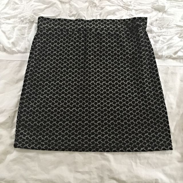 Small Stretchy Pattern Skirt