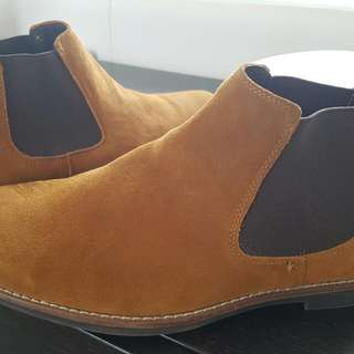 Men's Size 10 (Very Large Fitting) Genuine  Suede Leather Tan Boots NEW!