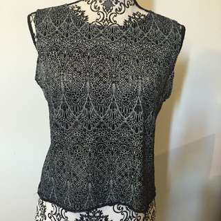 Lace Pattern Crop Top Medium