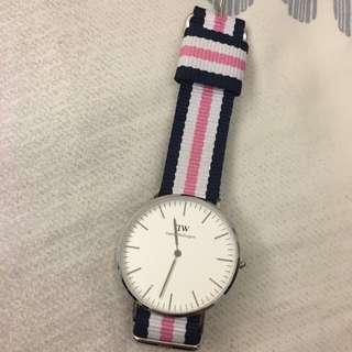 DW手錶 (有盒子)