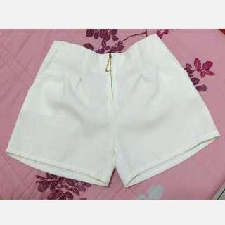 🚚 純白雪紡短褲