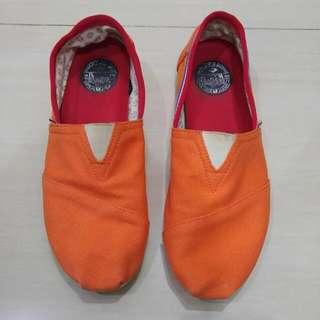 Sepatu Wakai Holland Sz 42