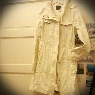 ◥◣九成新◤◢🇯🇵日本moussy純棉米色風衣款外套