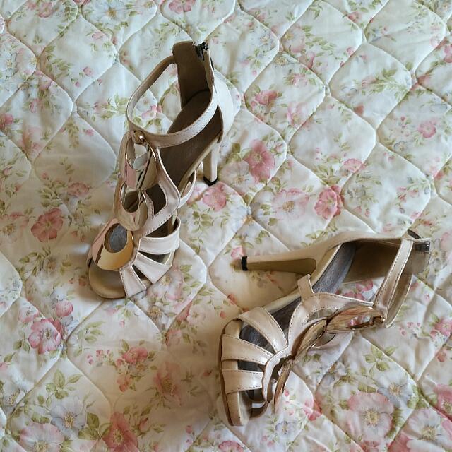 Almond colour heels