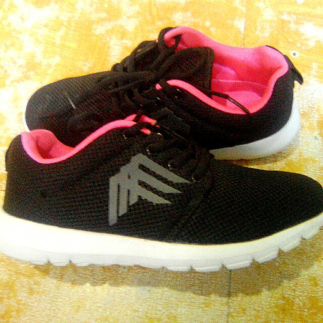 Altus Rubber Shoes