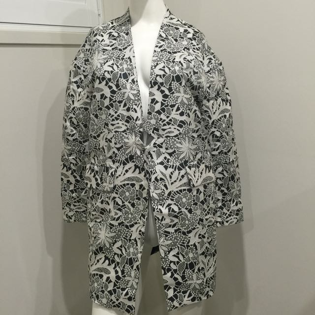 Dress Up Forever Professional Black And White Jacket - Made In Korea