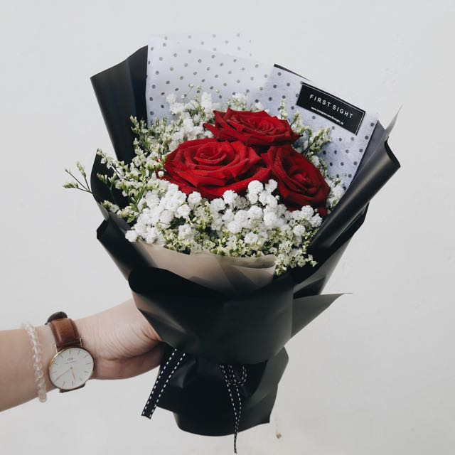 Korean Style Inspired - 3 Red Roses Hand Bouquet With Babybreath ...