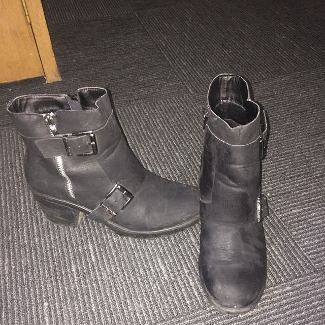 Leather Boots With Buckle