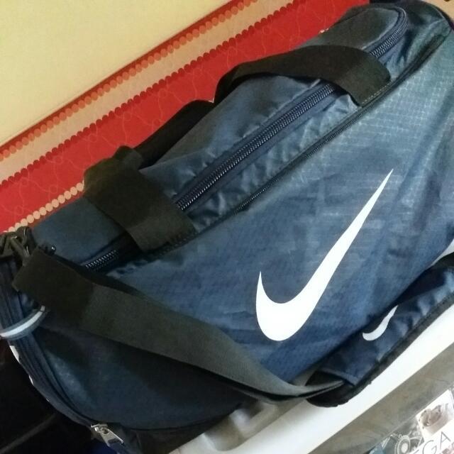 (SOLD) NIKE Travelling Bag