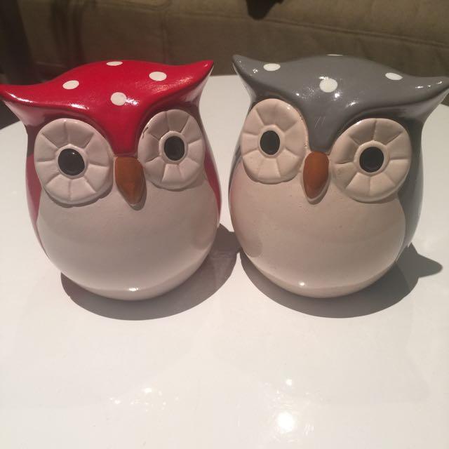Pair of Owl Figurines