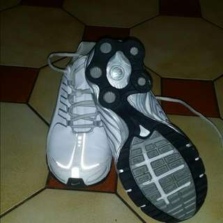 Nike Air Leather Shoes Almost Brand New Only War 3 Times