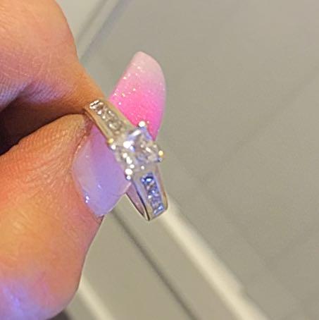 1.5 Princess Cut Dimond Engagement Ring 24 Crt Gold