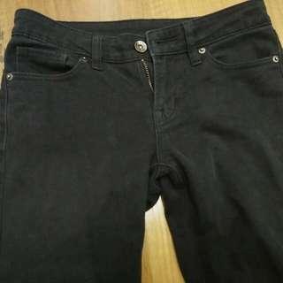 Uniqlo 黑色牛仔褲