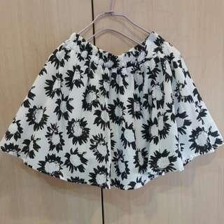日本專櫃CHU XXX🎉白底黑色太陽花高腰褲裙