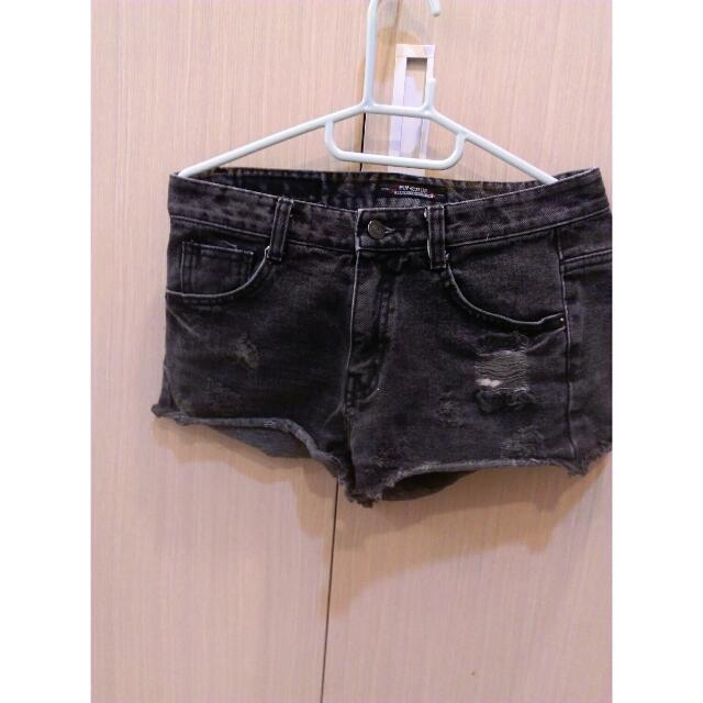 灰色牛仔短褲