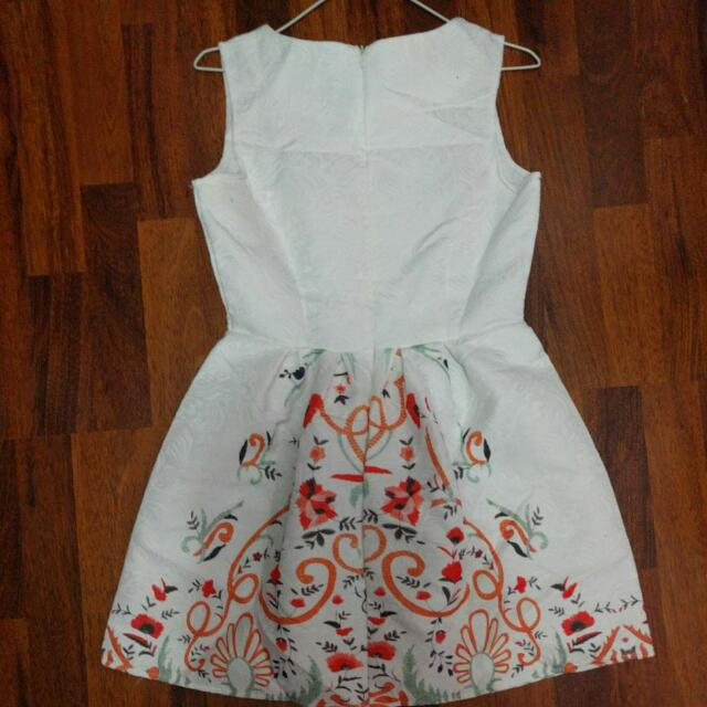 Dress (Size M)