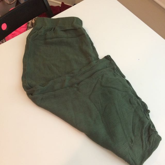 Forever 21 Wide Legged Olive Green Culottes