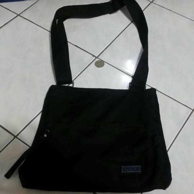 Kenneth cole Sling Crossbody Bag