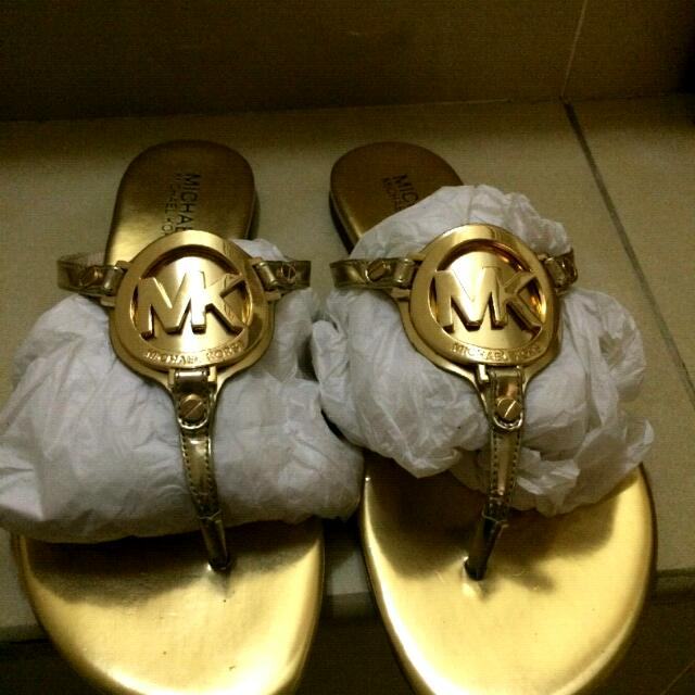 843cccaf93c Michael Kors Melodie Thong Metallic Leather