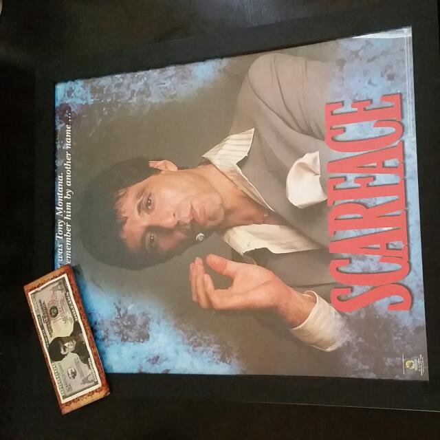 Scarface Picture And Bank Note
