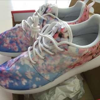 降價)Nike Roshe One Cherry BLS櫻花限定版 24
