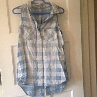 Checkered Sleevess Shirt - size M