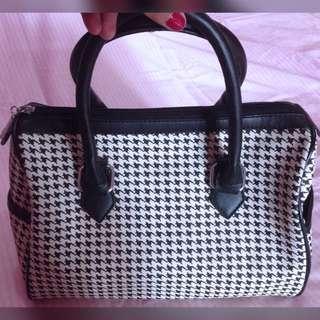 Houndtooth Elizabeth Bag