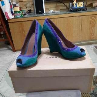 降!!非常美三色(綠,藍,紫)几皮船型miu miu 魚口高跟鞋~尺寸36.5