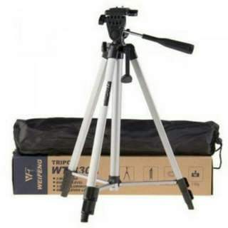 Rm 26 Wholesale**Telescoping Camera Tripod Extendable 4 Sections Free Phone Holder