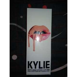 Kylie Lip Kit (Without Lip Pencil)
