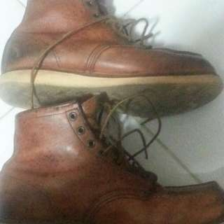 Red Wing Boots 875 SIZE 10.5 US (Used)- Sgd 150  (Can Nego)  Not For Fussy Buyers