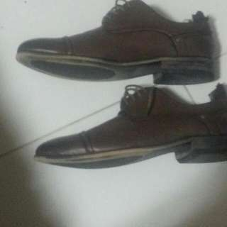 Kenneth Cole Mens Shoes  (Used 2x) Size 11.5 US  Selling 40sgd  Bought In New YORK @ US$100+  Foot Injury Led Me To Sell This Item  Not For Fussy Buyers (Nego) Fast Deal Need Clear Store