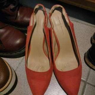 Zara 窩釘高跟鞋