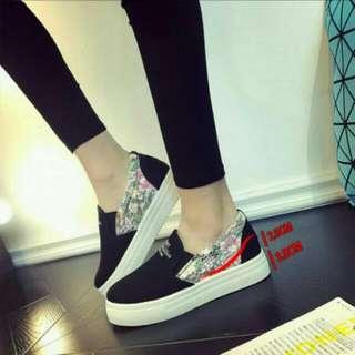 韓版 蕾絲花 內增高6cm 樂福鞋,鬆糕鞋,厚底鞋,休閒鞋 $500(含運)