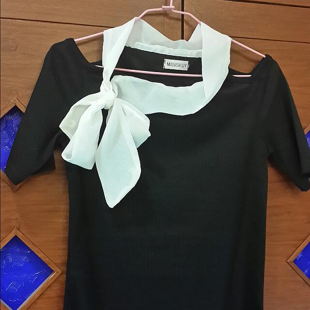 黑色挖肩合身螺紋洋裝