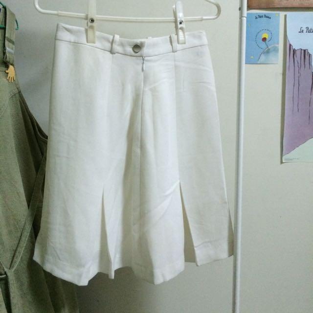 來一件古著白裙