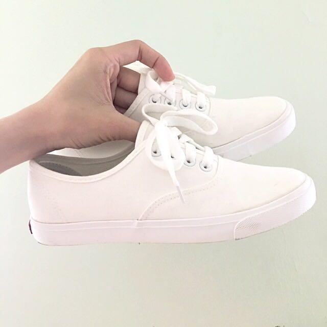 ::九成新::夏季韓版白色帆布鞋 39號