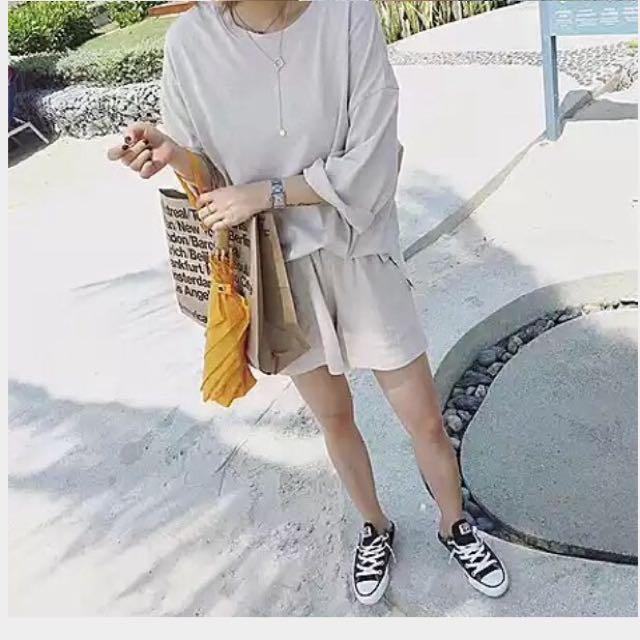 🔹杏色寬鬆上衣+短褲 套裝