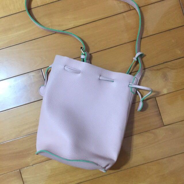 超新雙色皮革水桶包(babypink粉紅色)