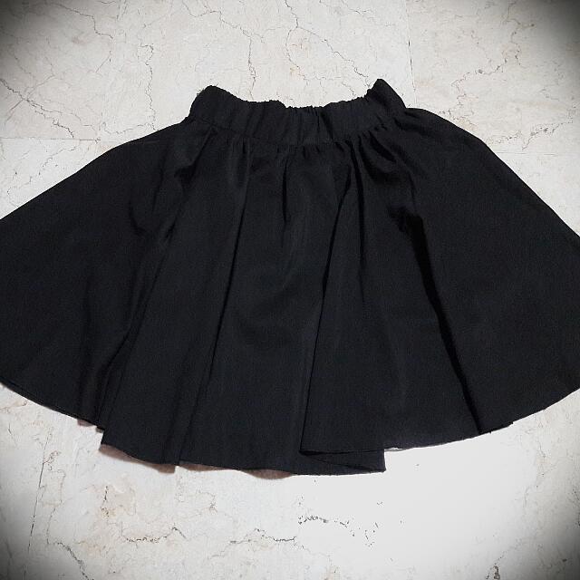 Black Skirt-pants (Size S-M)