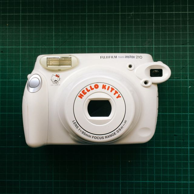 Fuji instax 210 wide (Hello kitty)